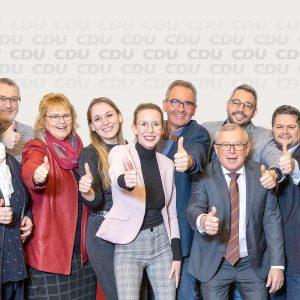 CDU-Elten_Vorstand_Daumen